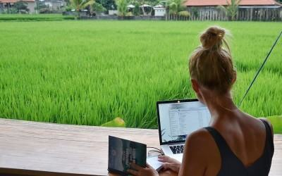 MY LIFE IS BETTER THAN YOURS! Are digital nomads smug?